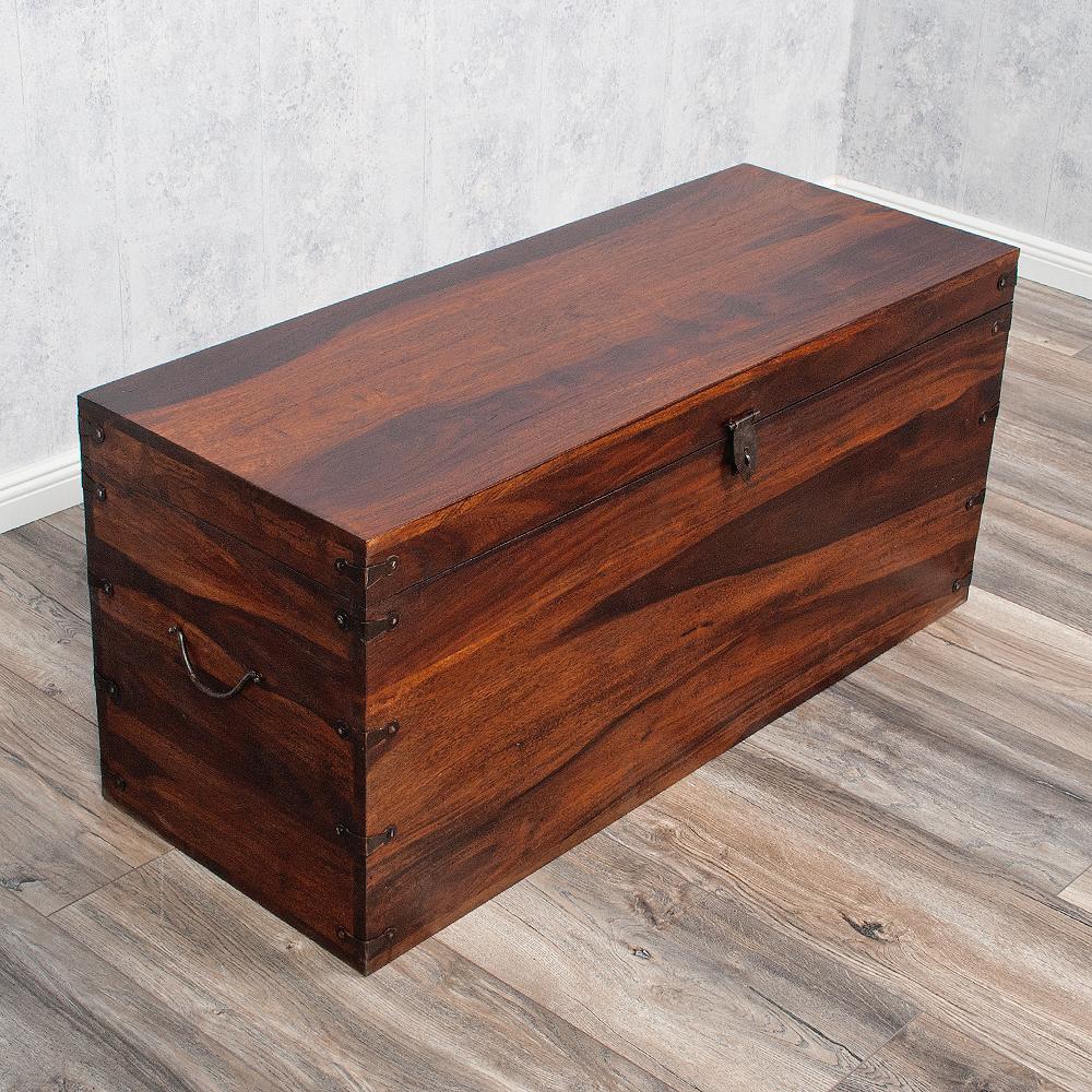 Massivholz truhe tarun dark brown 102cm couchtisch akazie - Couchtisch holztruhe ...