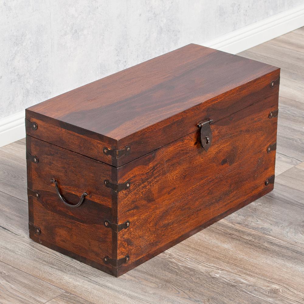 massivholz truhe tarun dark brown n 60cm akazie 4467. Black Bedroom Furniture Sets. Home Design Ideas