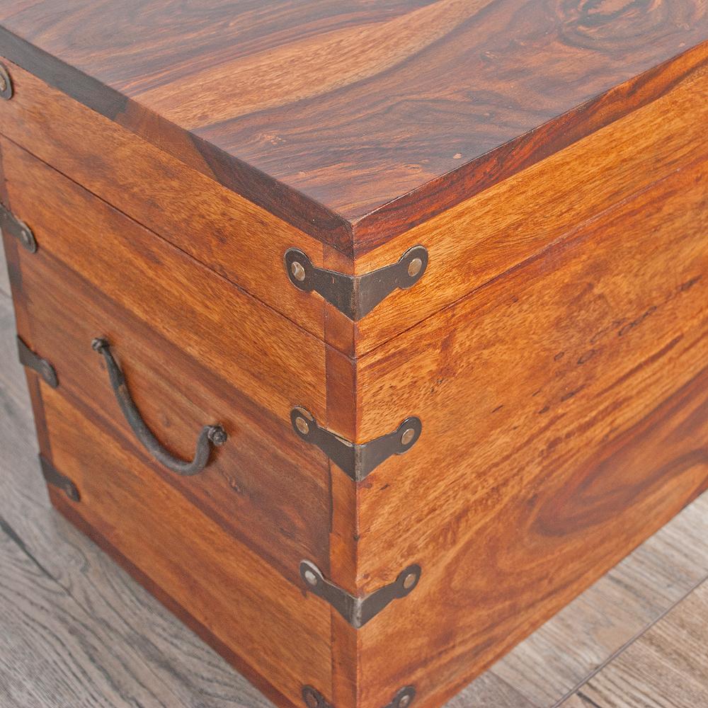 massivholz truhe tarun 60cm natural akazie holztruhe. Black Bedroom Furniture Sets. Home Design Ideas