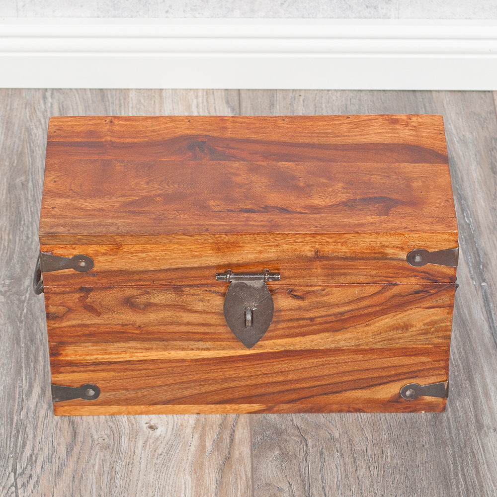 massivholz truhe tarun 32cm natural akazie holztruhe holzkiste schatztruhe ebay. Black Bedroom Furniture Sets. Home Design Ideas