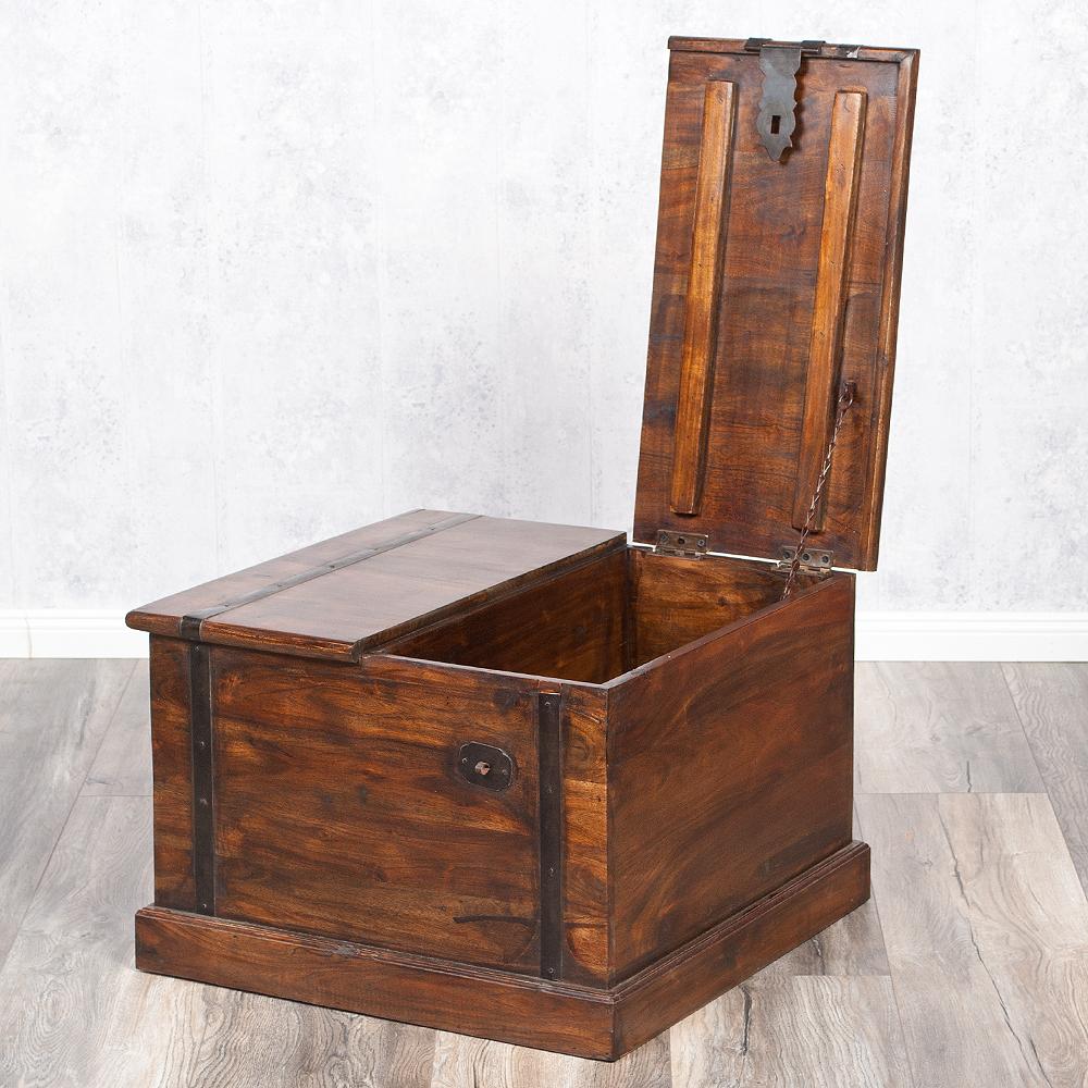 couchtisch truhe jady 60x60cm dark brown a akazie massiv. Black Bedroom Furniture Sets. Home Design Ideas
