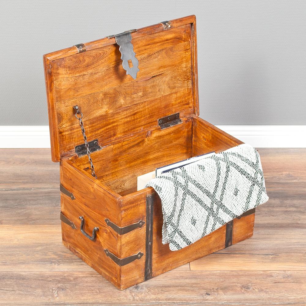 massivholztruhe bombay natural a aus akazienholz holzkiste. Black Bedroom Furniture Sets. Home Design Ideas