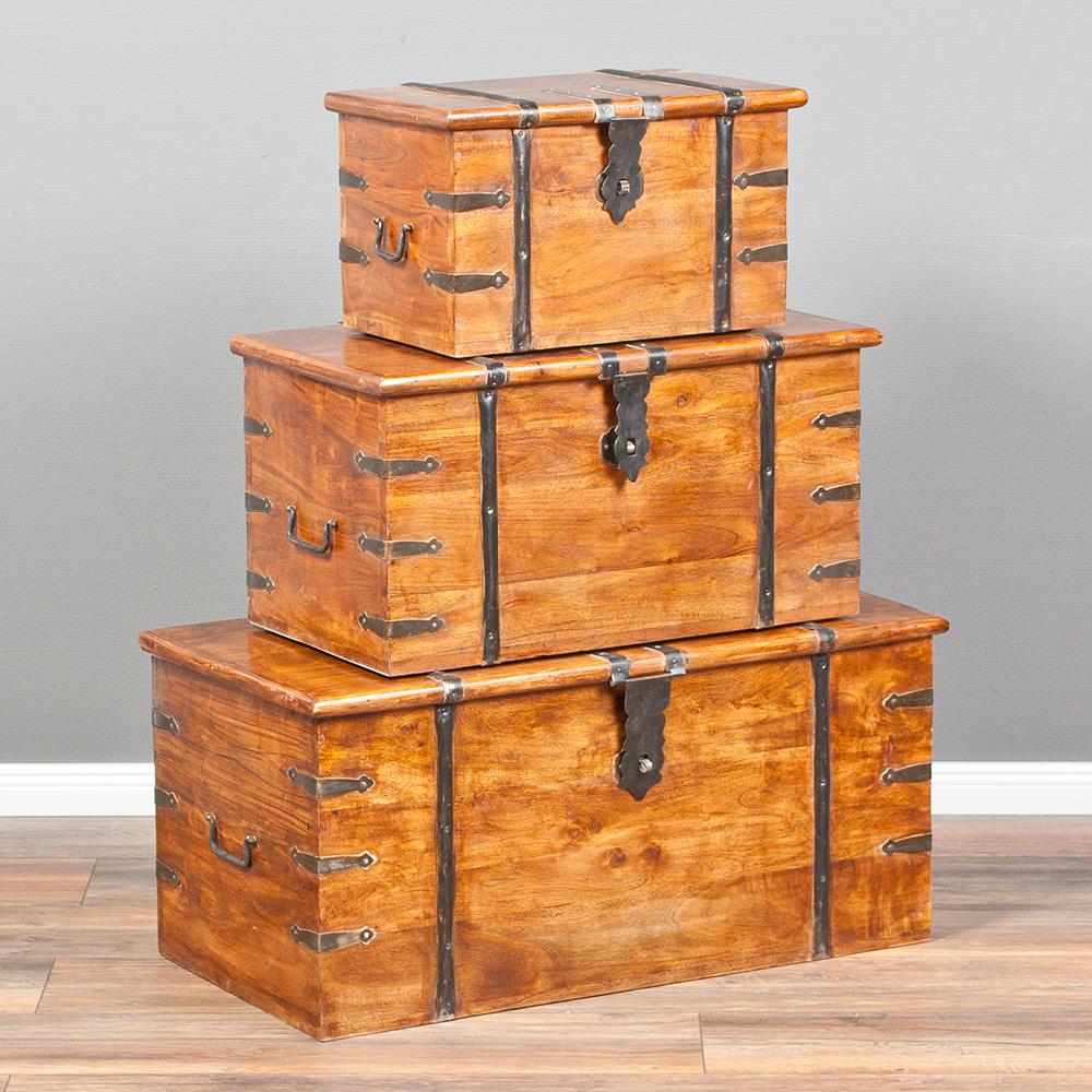 massivholztruhe bombay natural a aus akazienholz holzkiste couchtisch 50cm 4251105611028 ebay. Black Bedroom Furniture Sets. Home Design Ideas
