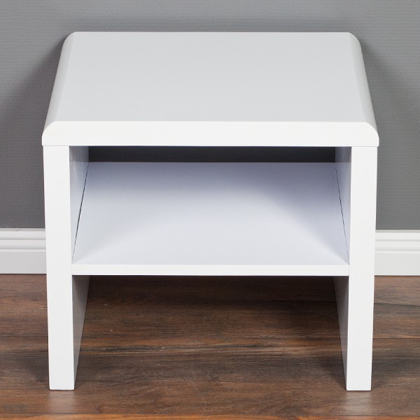 nachttisch hoch fabulous nachttisch elena buche modell nach wahl nako u bild with nachttisch. Black Bedroom Furniture Sets. Home Design Ideas